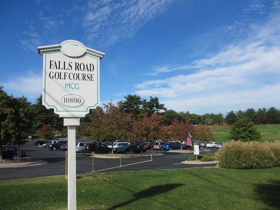 Falls Road Golf Course: Club signage