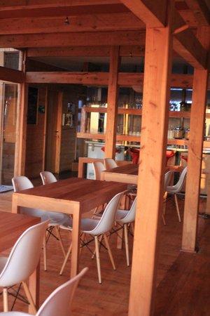 Natural Surf Lodge: muy acogedor y la comida exquisita