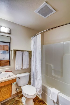 Value Place Denver, CO (Firestone) : in Bath