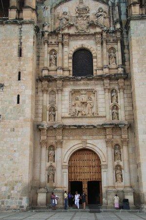 Templo de Santo Domingo de Guzmán: Main Door