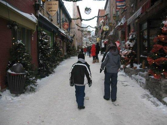 Le Saint-Pierre Auberge Distinctive: Streets of Quebec