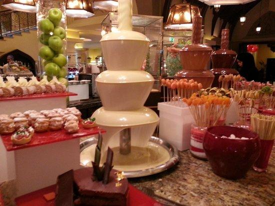 Shangri-La Hotel, Qaryat Al Beri, Abu Dhabi : Sobremesas
