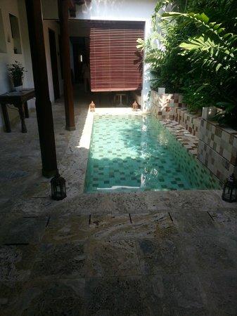 Hotel Santo Toribio: Hall de Entrada - Pileta