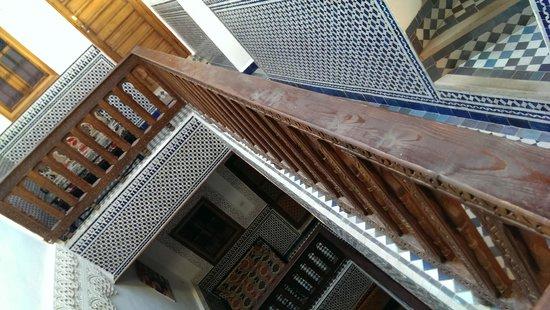 Dar Mehdi : 三階の廊下からの眺め
