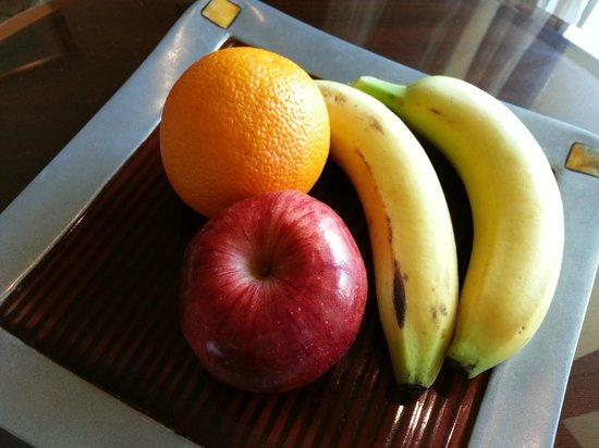 Shangri-La Hotel, Qaryat Al Beri, Abu Dhabi : Frutinhas de boas vindas!