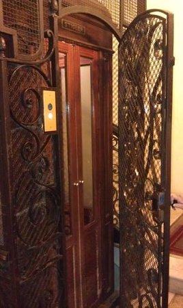 Residenza Cellini: lift