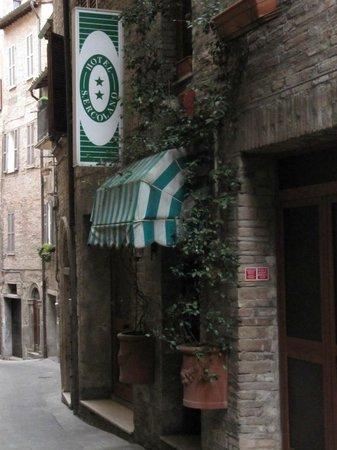 San Ercolano Hotel : Entrata dell'hotel