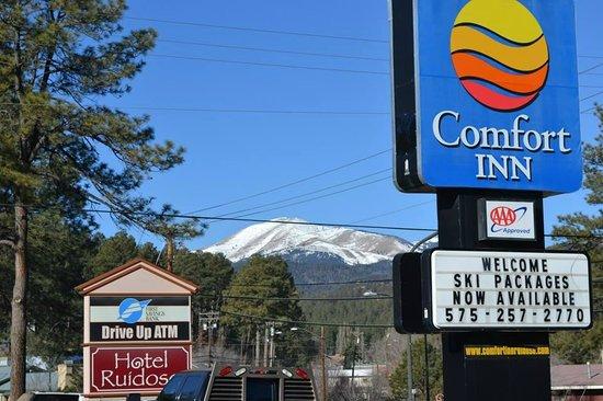 Comfort Inn - Midtown : ... No fundo estação de esqui -  Sky Apache