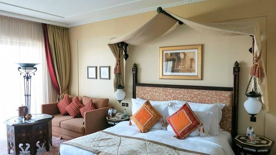 Jumeirah Al Qasr at Madinat Jumeirah : Arabian King Suite 633