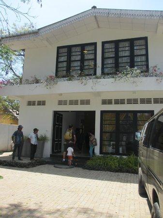 Pavana Resort: The Hotel Front