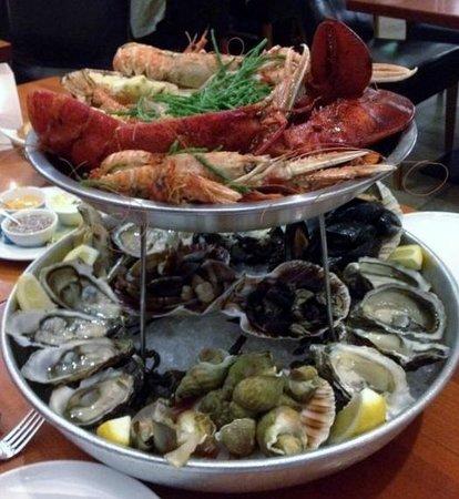 "Patrick's Seafood No.1: Patrick's Plateau ""Le Royal"""