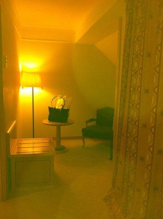 Hotel Real Palacio: Cantinho p leitura