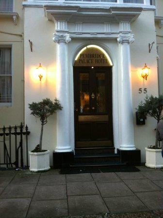 Pembridge Palace Hotel : Hotel entrance
