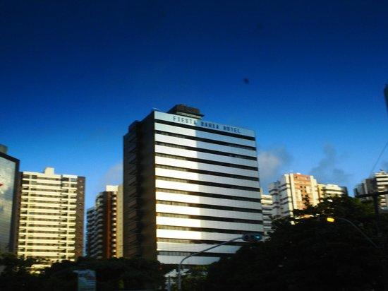 Fiesta Bahia Hotel : CHEGANDO AO FIESTA