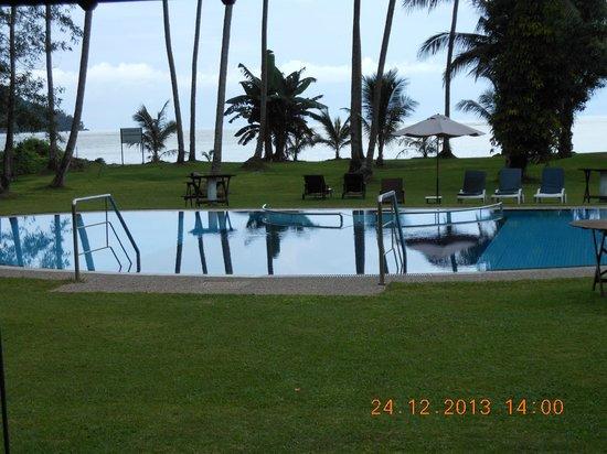 Langkah Syabas Beach Resort : relaxing