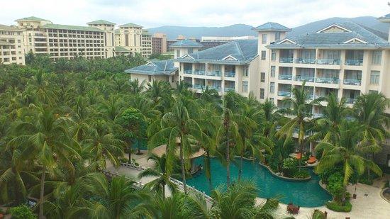 Huayu Resort and Spa Yalong Bay Sanya: Вид из номера