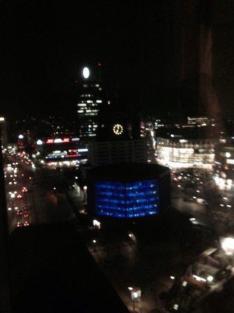 Waldorf Astoria Berlin: Март 2014