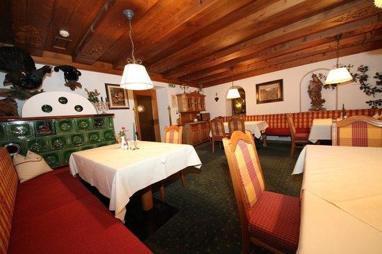 Hotel Almhof Danler: Bauernstube