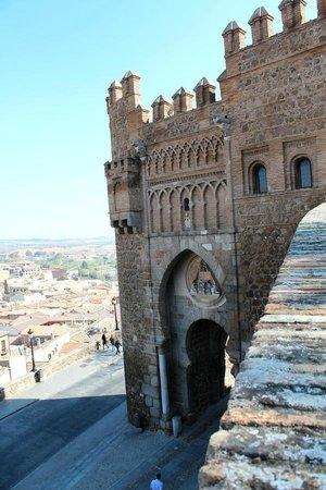 Puerta del Sol: На стене