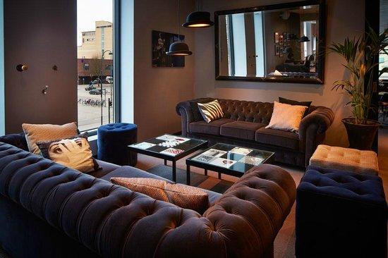 Best Western Plus Hotel Plaza: Lounge