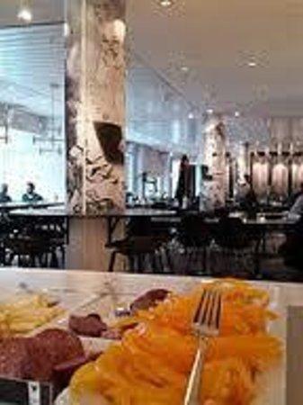 Best Western Plus Hotel Plaza: Breakfast