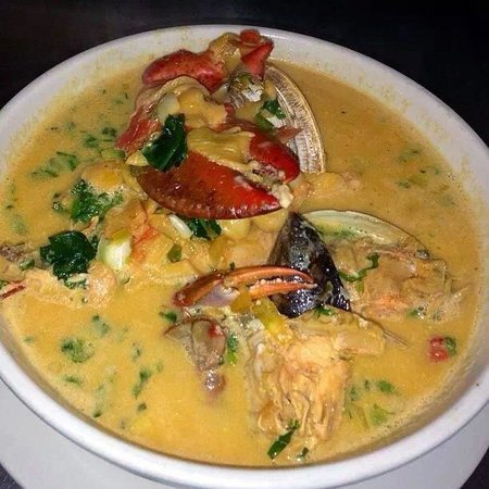 Gusto Latino Bar and Restaurant: Mariscada catracha