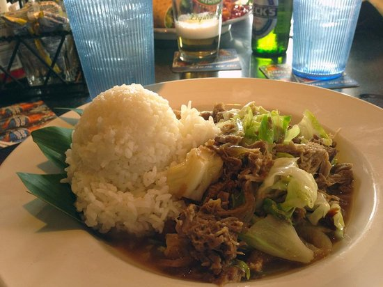 JJ's Broiler : Kalua pork and cabbage