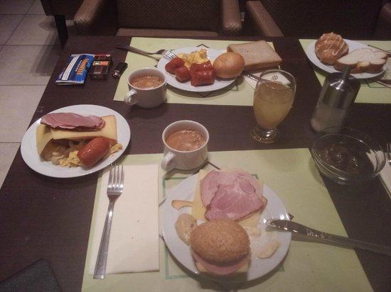 Marmara Hotel Budapest: Ωραίο και πλούσιο πρωινό