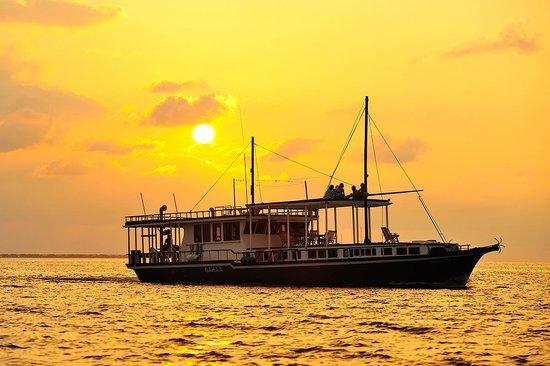 Cruise-Maldives: sunset