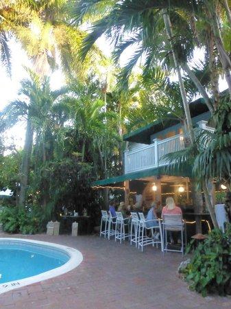 The Gardens Hotel : Outdoor bar