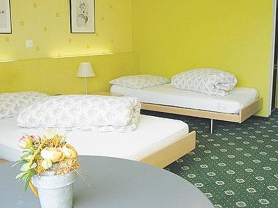 Lowen: Hotelzimmer