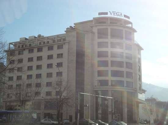 Hotel Vega Sofia: approuch to hotel from Airport