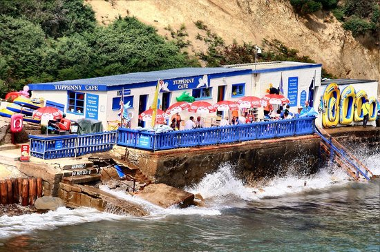 Tuppenny Cafe on the Beach