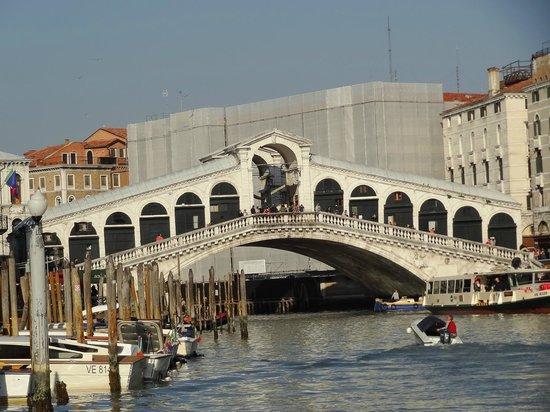 Rialtobrücke: Beautiful Rialto Bridge!