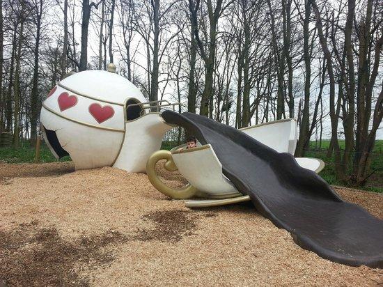 Stockeld Park: Teapot slide