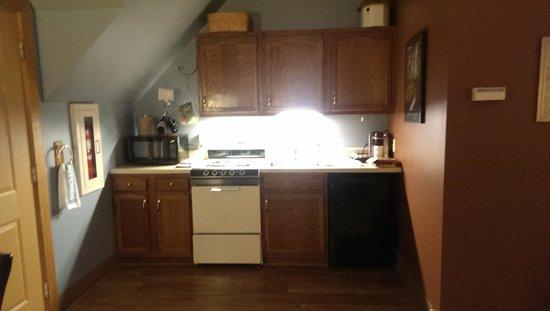 Iris Inn: kitchen in Hawk's Nest Suite