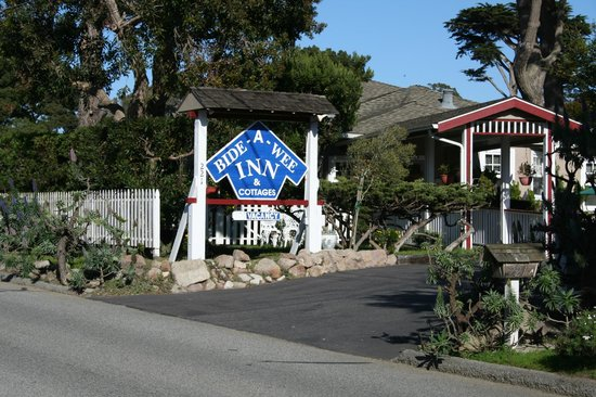 Bide-A-Wee-Inn & Cottages : Entrance