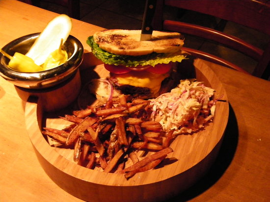 Chez Dupont and The Stone Soup Cafe: Willys Burger