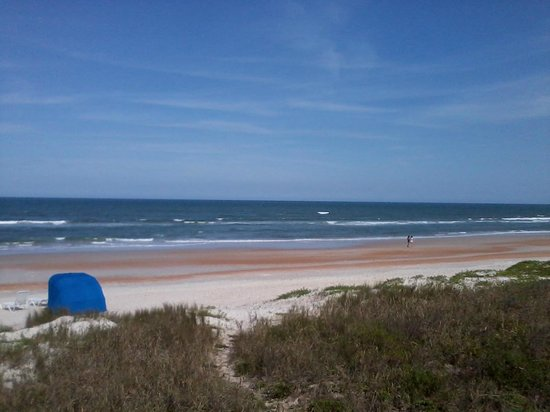 Coral Sands Inn & Seaside Cottages Ormond Beach: The view says it all....it is calling you