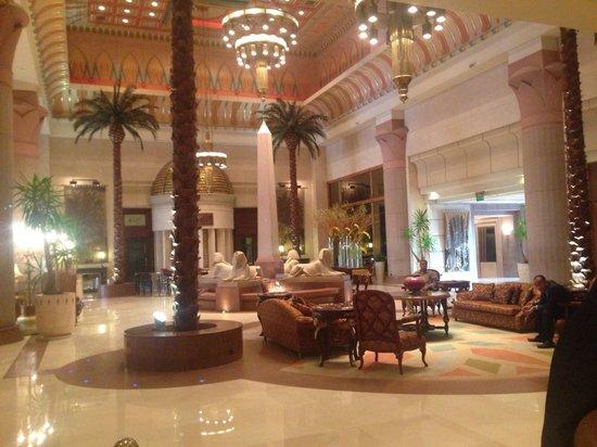 InterContinental Citystars Cairo: Main lobby in daytime