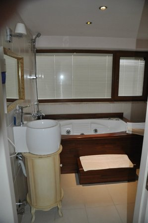 Kupeli Palace Hotel: Ванная комната