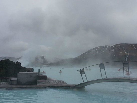 Blue Lagoon Iceland : View of Blue Lagoon. Foggy as there is smoke that comes out of the Blue Lagoon