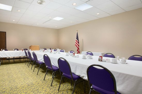 Ramada Waterloo Hotel and Convention Center: Wapsi Meeting Room