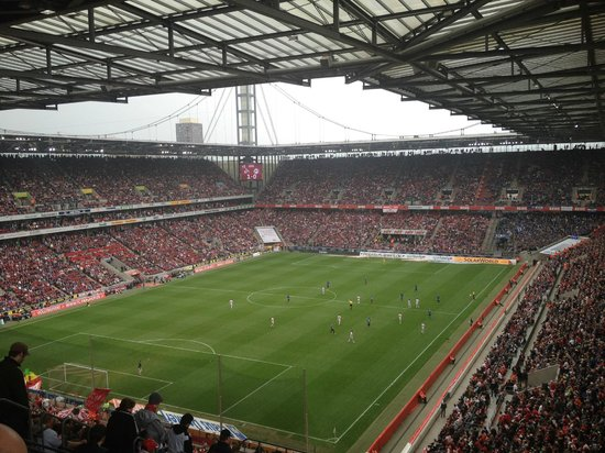 RheinEnergieStadion: The match kicks off.