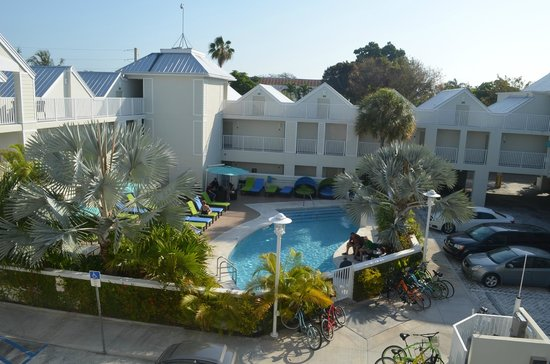Silver Palms Inn: pisicne/parking et complexe