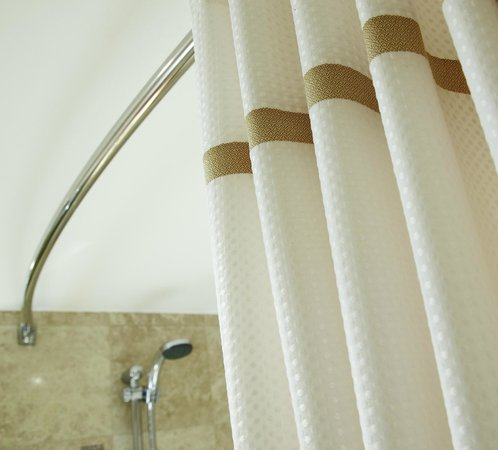 Bathroom - Shower Curtain - Picture of Durham Marriott Hotel Royal ...