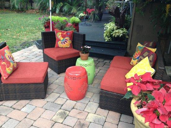 Ed Lugo Resort : Patio to relax