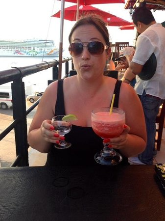 Toro's Place: Awesome drinks, really enjoyed this strawberry daiquiri
