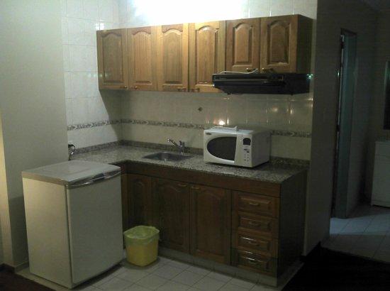 Docta Suites Aparthotel: Cocina