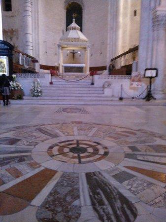 Cattedrale di San Sabino: Bari-Cattedrale-Altare Maggiore 2